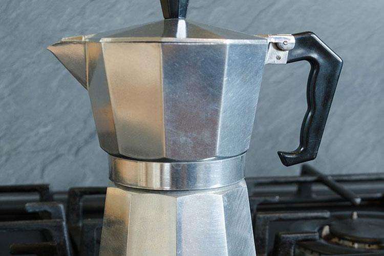 tasser-café-cafetière-italienne-matière-cafetière-bialetti-cafetière-italienne-grosche-mettre-du-lait-dans-une-cafetière-italienne-cafetière-bodum-quel-café-utilise-cafetière-italienne-sur-feu-faire-du-thé-avec-une-cafetière-italienne-le-guide-de-la-cafetière-italienne-cafetière-italienne-induction-1-tasse-bialetti-4922-cafetière-italienne-godmorn